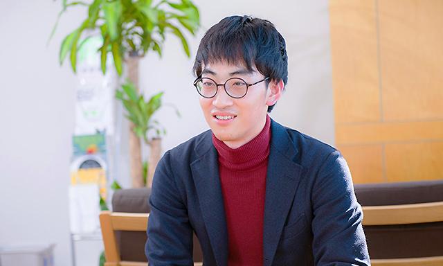 デザインコンサルティング部 コンサルタント 中塚 啓史のインタビュー写真(1)